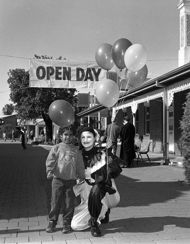 CSU2620_82 Albury Open Day 1-8-1992.jpg