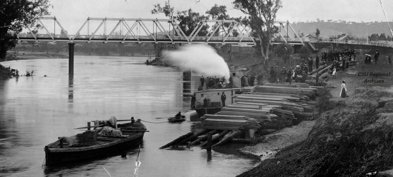 Wagga Wagga Paddle Steamer Hampden Bridge (RW3016).jpg