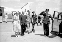 Royal Tour 1954 - Forest Hill Airport [RW1574.253].jpg