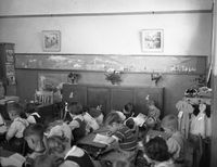 1951-Gurwood Street School Excursion2.jpg