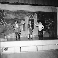1950 - Pirates of Penzance9.jpg