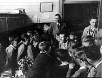 1951-Gurwood Street School Excursion7.jpg